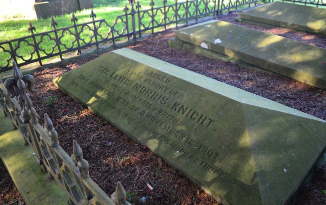 Grave of Sir Lewis Morris